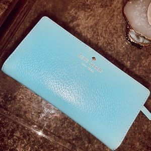 Kate Spade wallet (barely used)